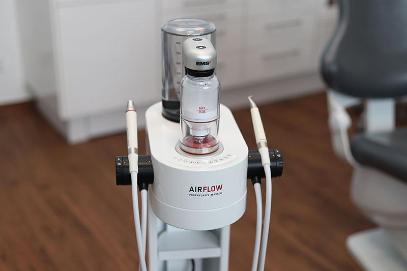 Prophylaxe in der Zahnarztpraxis Germeshausen mit modernsten Geräten